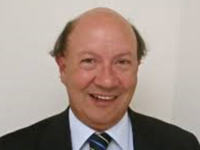 Prof Robert Denniss